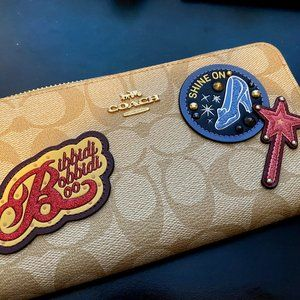 NWT- Disney X Coach Accordion Zip Wallet ❤💥❤
